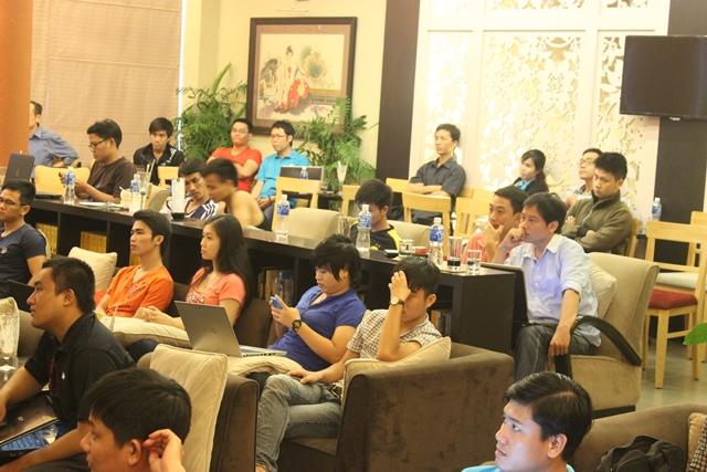 Đào tạo SEO tại Sơn La chất lượng, chuẩn Google, lên TOP bền vững không bị Google phạt, dạy bởi Linh Nguyễn CEO Faceseo. LH khóa đào tạo SEO mới 0932523569.